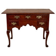 18th Century Philadelphia Tiger Maple Queen Anne Dressing Table