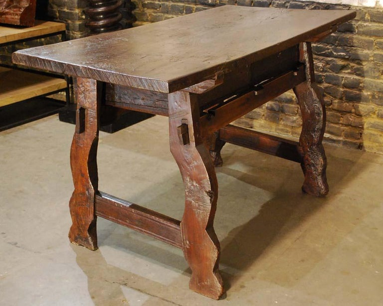 Antique 18th century Spanish baroque chestnut desk or sidetable For Sale 7