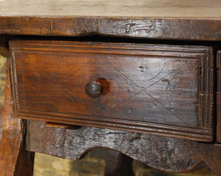 Antique 18th century Spanish baroque chestnut desk or sidetable For Sale 3