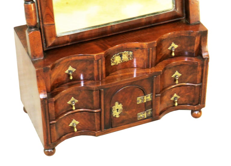 English 18th Century Queen Anne Walnut Dressing Table Mirror For Sale