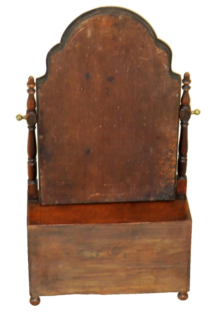 18th Century Queen Anne Walnut Dressing Table Mirror For Sale 3