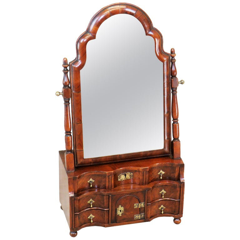18th Century Queen Anne Walnut Dressing Table Mirror For Sale