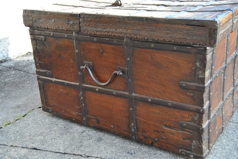 18th Century Rosewood Blanket Chest from India In Excellent Condition For Sale In Savannah, GA