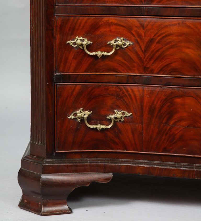 18th Century Serpentine Chest For Sale 2