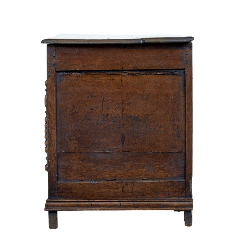 Woodwork 18th Century Small English Oak Coffer For Sale