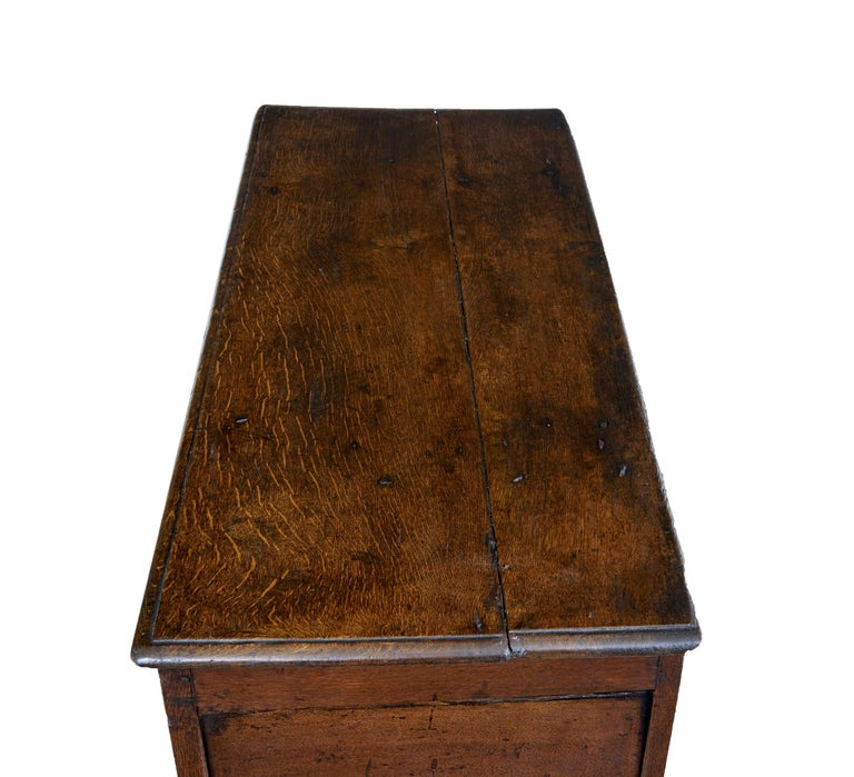 18th Century Small English Oak Coffer In Fair Condition For Sale In Debenham, Suffolk