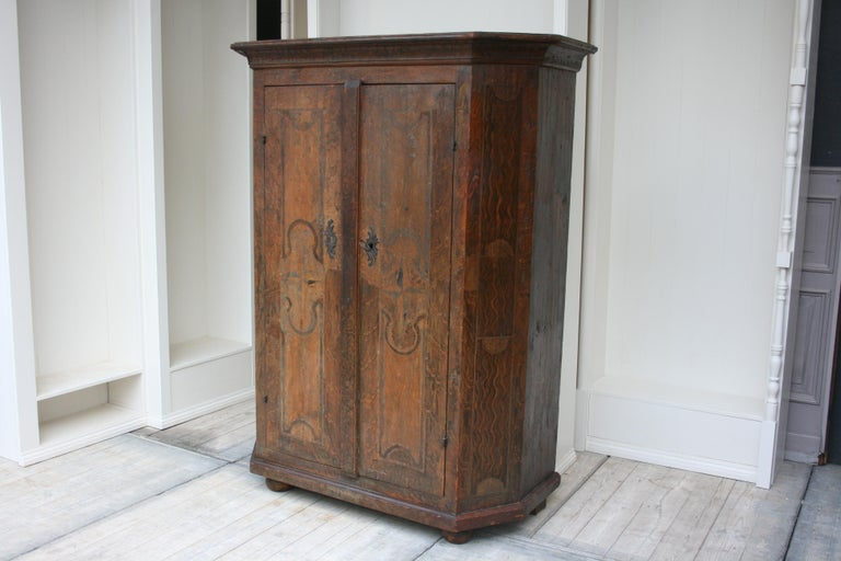 18th Century South German Armoire in Original Paint For Sale 7