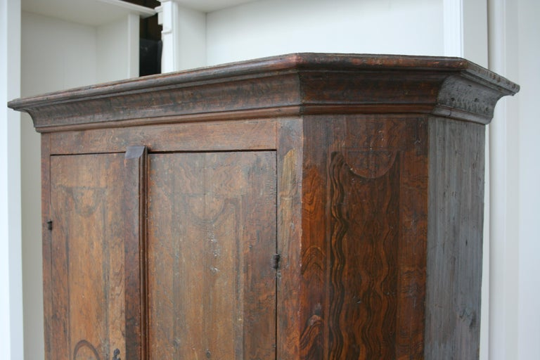 18th Century South German Armoire in Original Paint For Sale 3