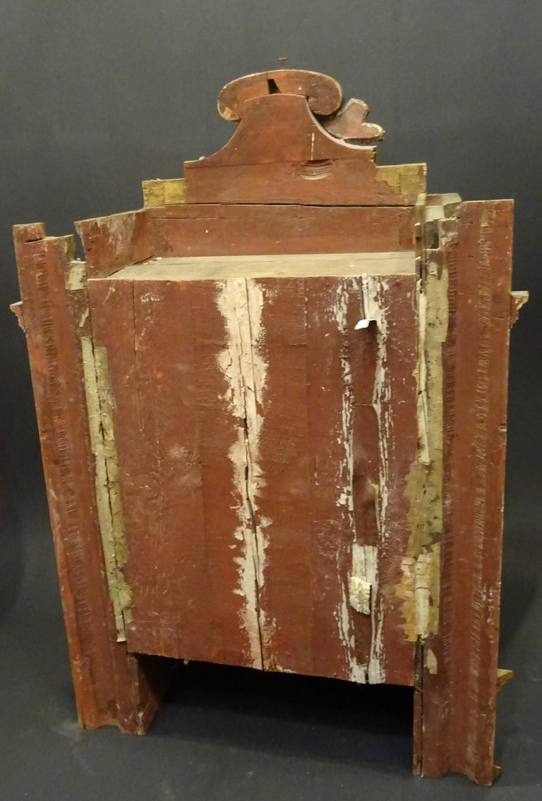 18th Century Spanish Baroque Carved Gilded Wood and Blown Glass Display For Sale 11