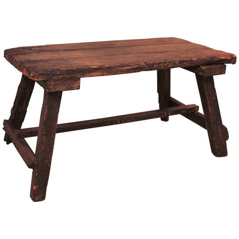18th Century Spanish Primitive Rustic Bistrot Table/Side Table For Sale