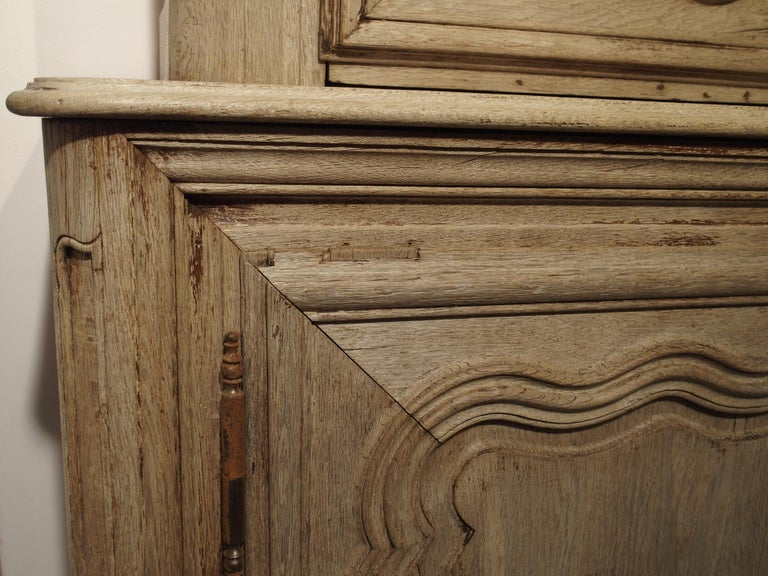Régence 18th Century Stripped Oak Buffet Deux Corps from France For Sale