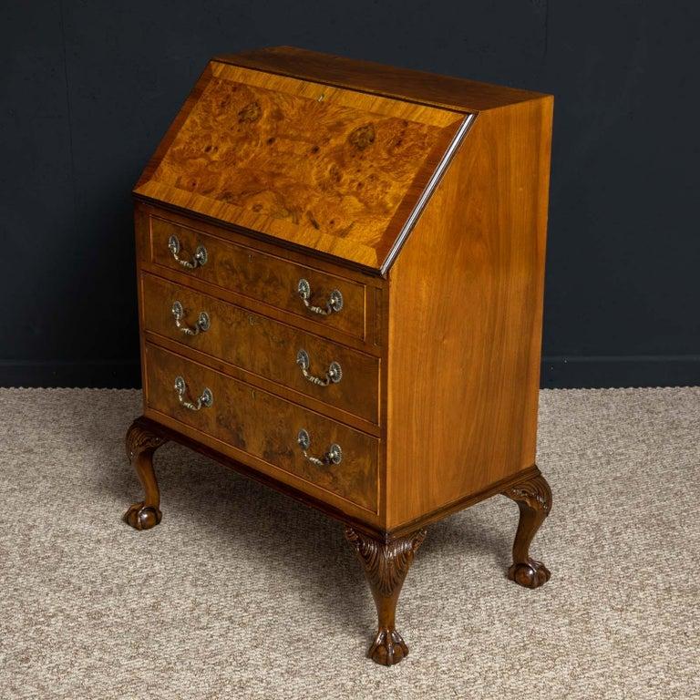 18th Century Style Walnut Bureau For Sale 11