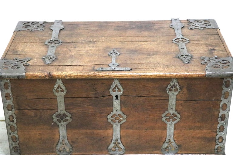 15th century treasure chest