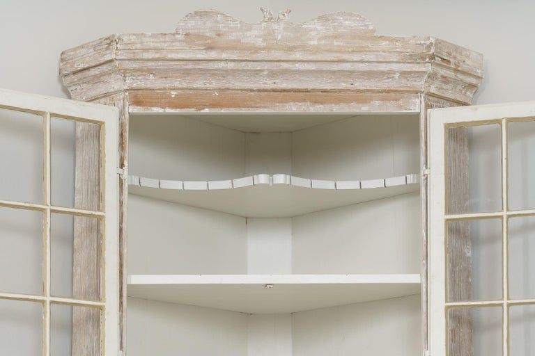 18th Century and Earlier 18th Century Swedish Baroque Period Corner Vitrine Cabinet in Original Paint For Sale