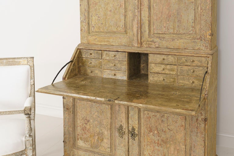18th Century Swedish Baroque Period Secretary with Library in Original Paint For Sale 8