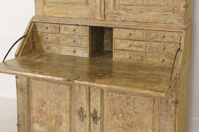 18th Century Swedish Baroque Period Secretary with Library in Original Paint For Sale 9