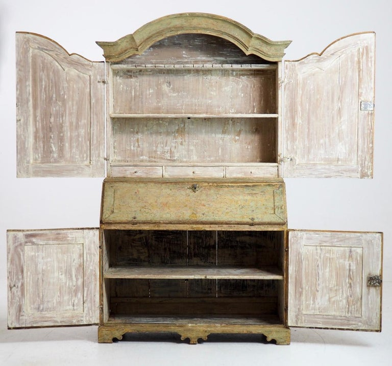 18th Century Swedish Baroque Period Secretary with Library in Original Paint For Sale 12