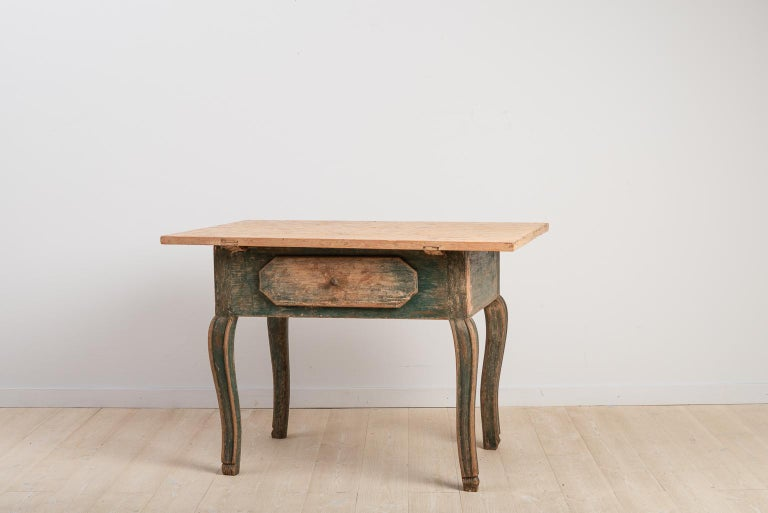 18th Century Swedish Baroque Table In Good Condition For Sale In Kramfors, SE