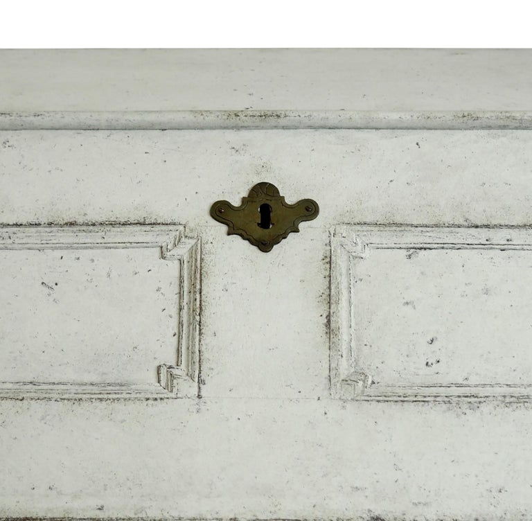 18th Century Swedish Bureau with Curved Decorative Detailing In Good Condition For Sale In Tetbury, Gloucestershire