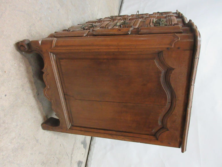 18th Century Swedish Chest of Drawers In Distressed Condition For Sale In Hollywood, FL