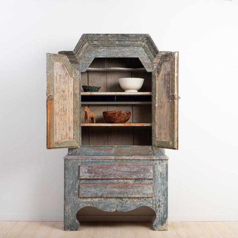 18th Century Swedish Folk Art Cupboard In Good Condition For Sale In Kramfors, SE