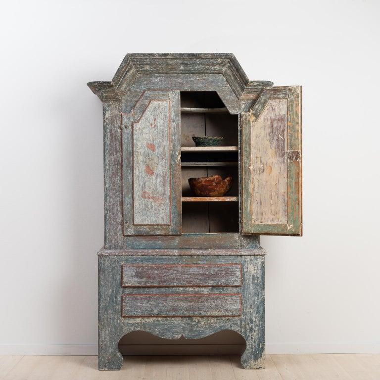 Pine 18th Century Swedish Folk Art Cupboard For Sale