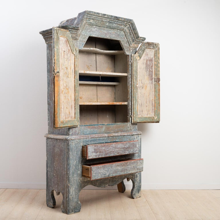 18th Century Swedish Folk Art Cupboard For Sale 2
