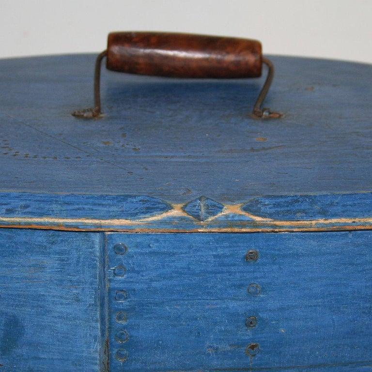 18th Century Swedish Folk Art Painted Bentwood Box For Sale 5