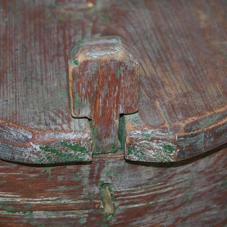 18th Century Swedish Folk Art Painted Bentwood Box For Sale 9