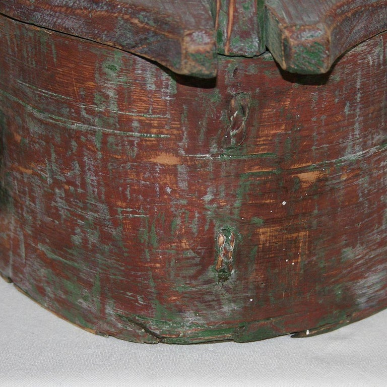 18th Century Swedish Folk Art Painted Bentwood Box For Sale 10