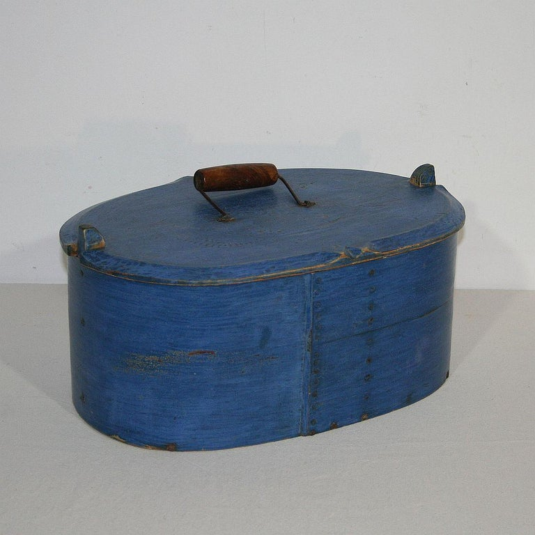 18th Century Swedish Folk Art Painted Bentwood Box In Good Condition For Sale In Amsterdam, NL