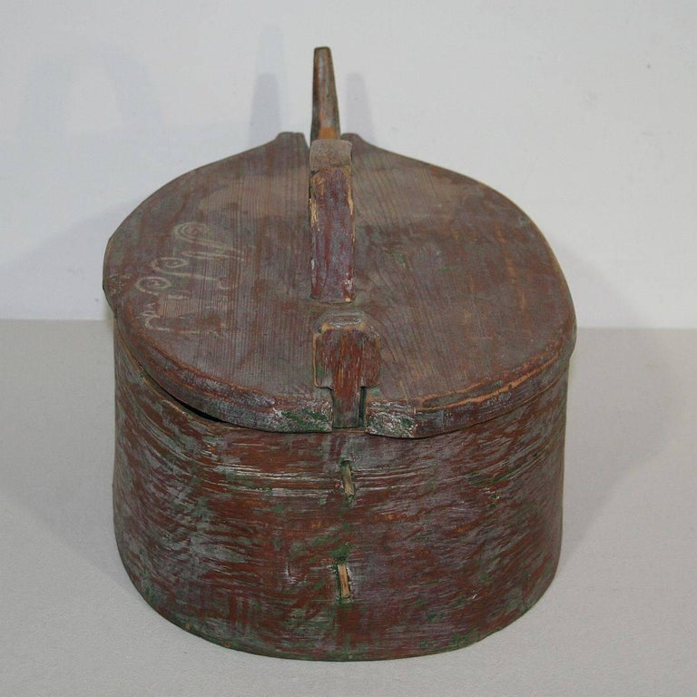 18th Century Swedish Folk Art Painted Bentwood Box For Sale 1