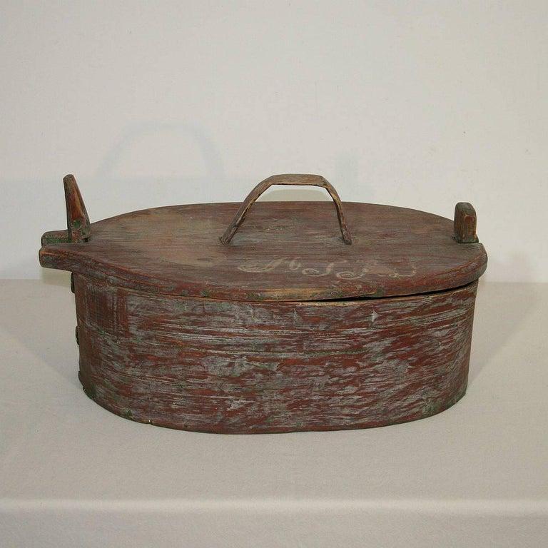 18th Century Swedish Folk Art Painted Bentwood Box For Sale 1