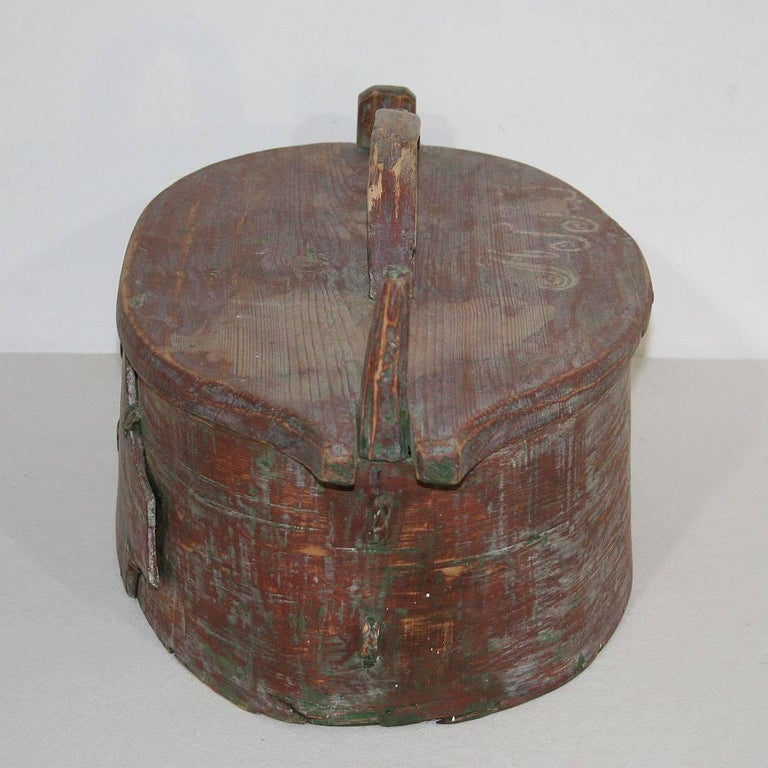 18th Century Swedish Folk Art Painted Bentwood Box For Sale 3