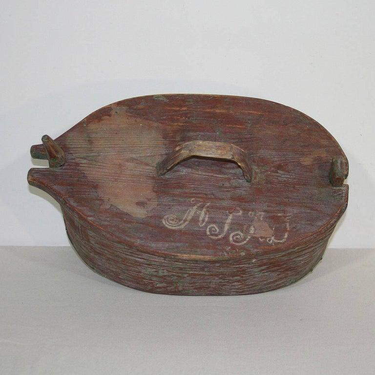 18th Century Swedish Folk Art Painted Bentwood Box For Sale 3