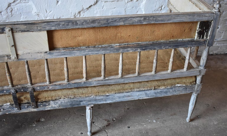 18th Century Swedish Gustavian 8-Legged Sofa For Sale 1