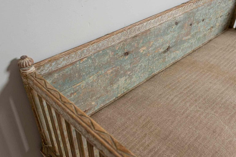 18th Century Swedish Gustavian Painted Carved Detail Slatted Sofa For Sale 7