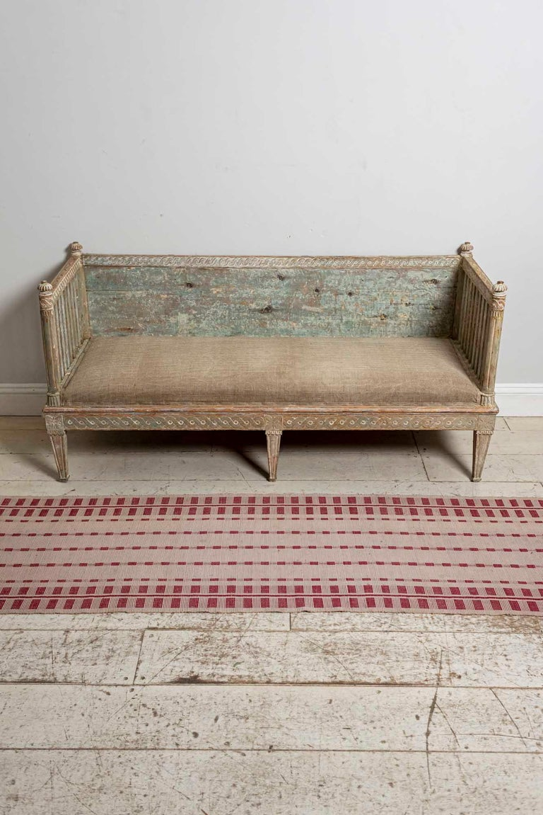 18th Century Swedish Gustavian Painted Carved Detail Slatted Sofa For Sale 10