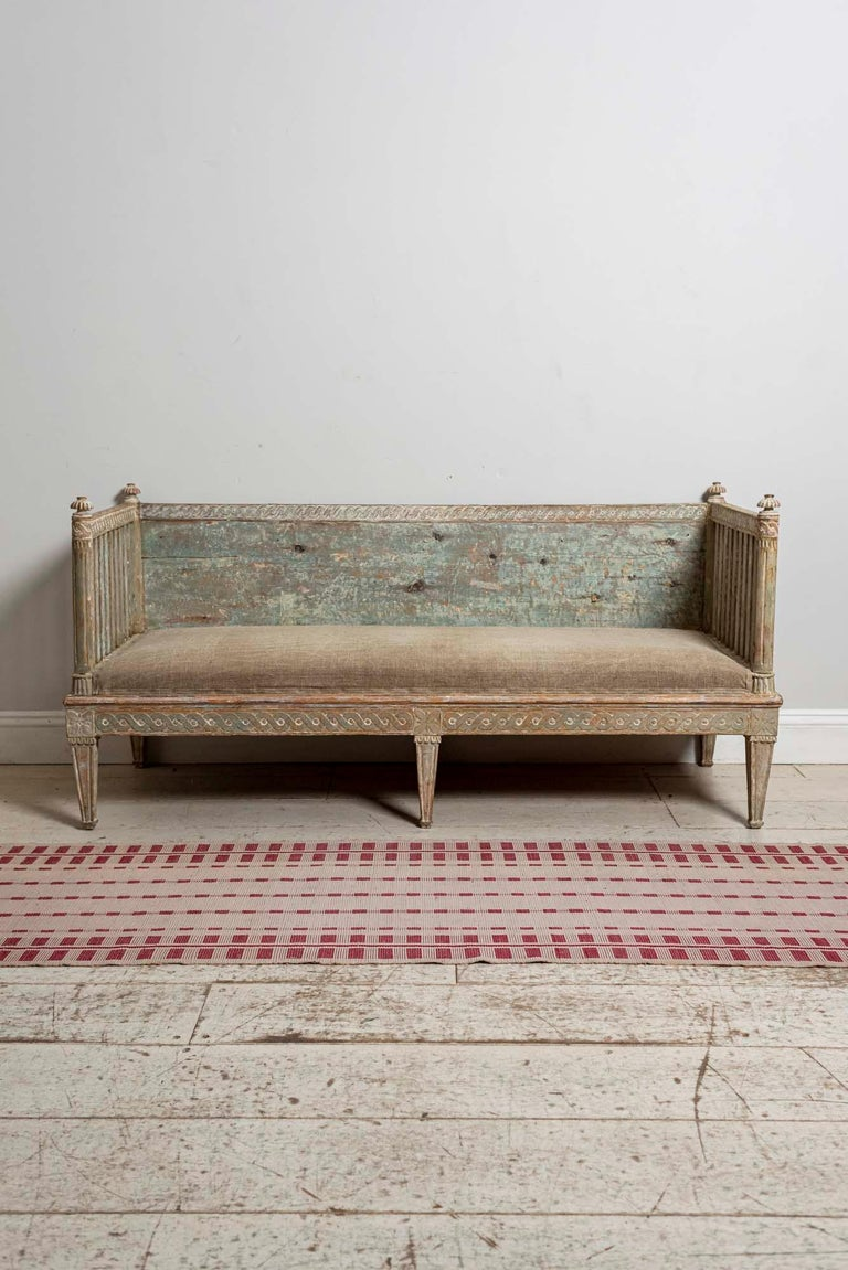 18th Century Swedish Gustavian Painted Carved Detail Slatted Sofa For Sale 11