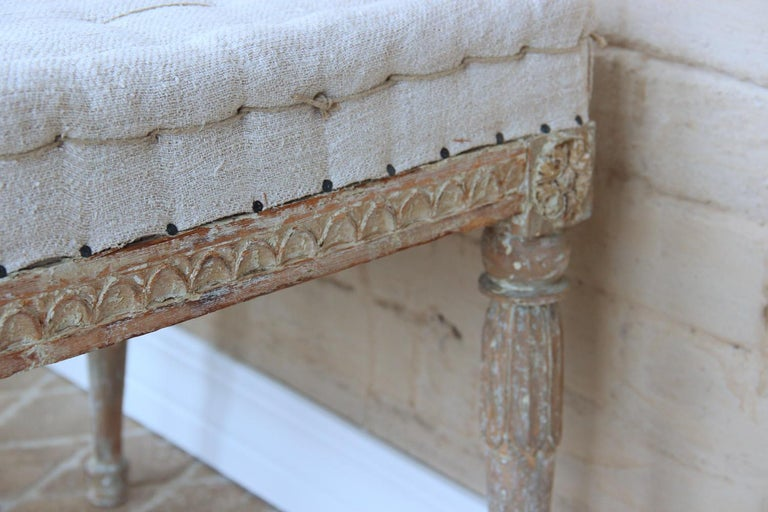 18th Century Swedish Gustavian Pair of Foot Stools or Benches in Original Paint In Good Condition For Sale In Wichita, KS
