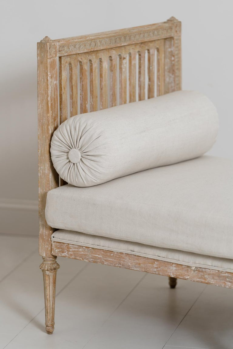 18th Century Swedish Gustavian Period Original Paint Daybed by Johan Lindgren For Sale 5