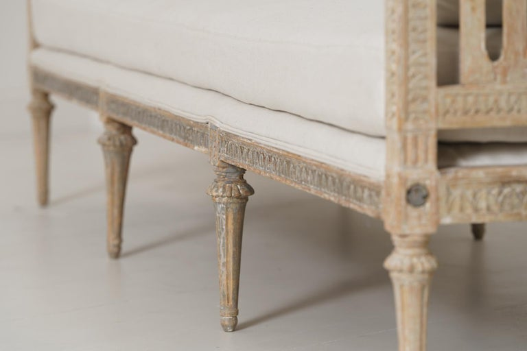 18th Century Swedish Gustavian Period Original Paint Daybed by Johan Lindgren In Good Condition For Sale In Wichita, KS