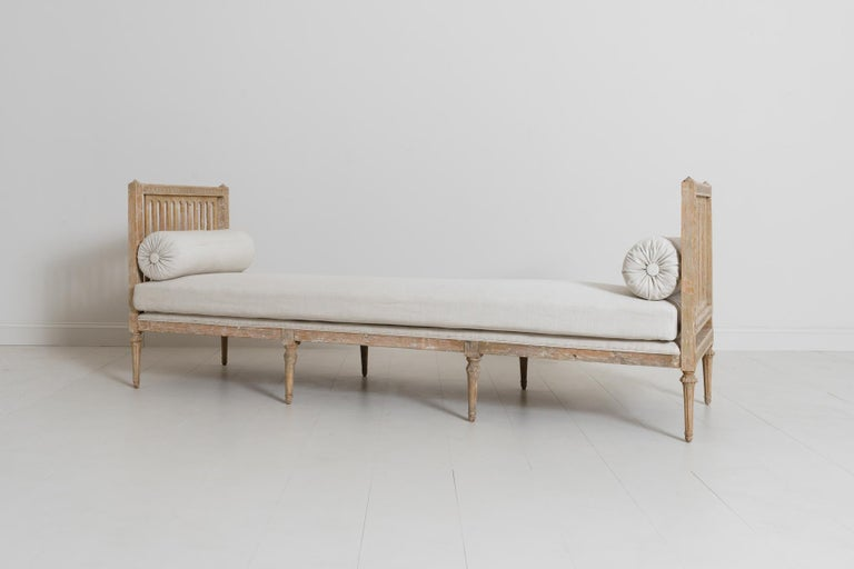 18th Century Swedish Gustavian Period Original Paint Daybed by Johan Lindgren For Sale 1
