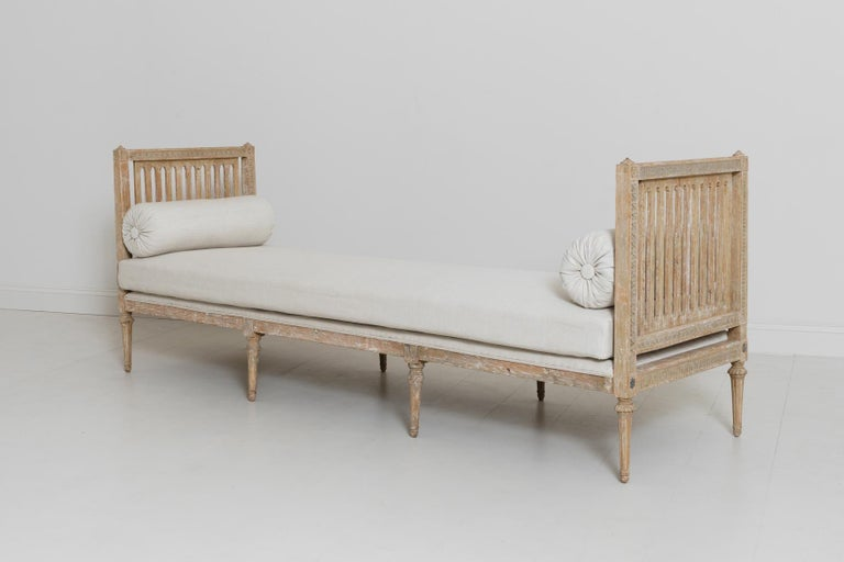 18th Century Swedish Gustavian Period Original Paint Daybed by Johan Lindgren For Sale 2