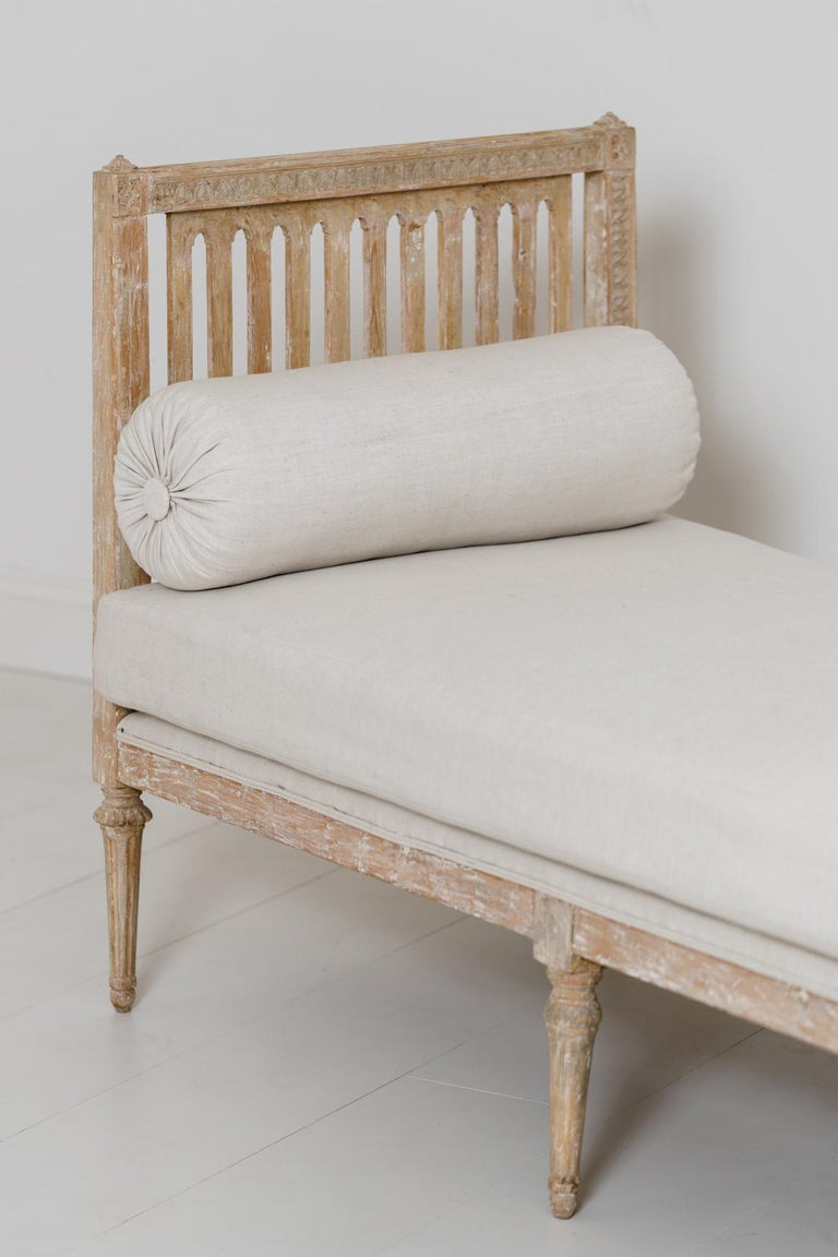 18th Century Swedish Gustavian Period Original Paint Daybed by Johan Lindgren For Sale 3