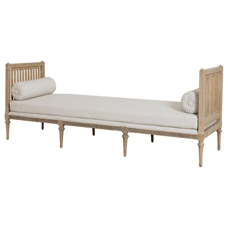 18th Century Swedish Gustavian Period Original Paint Daybed by Johan Lindgren For Sale