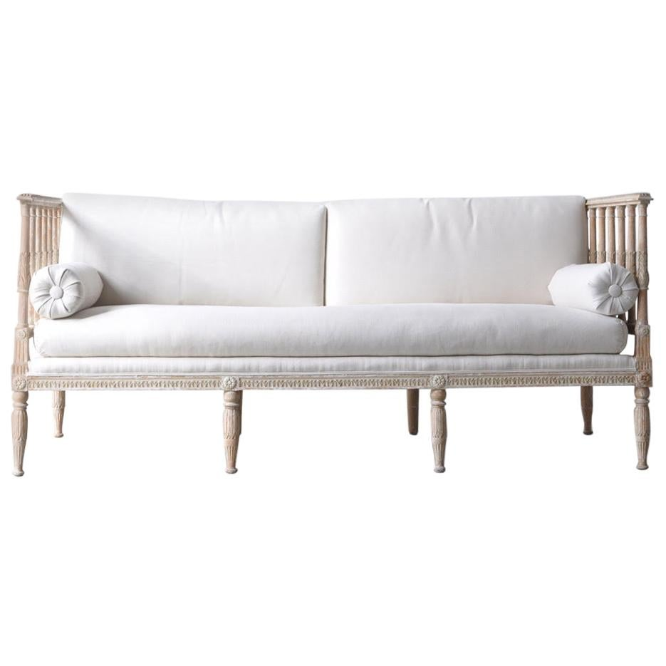 18th Century Swedish Gustavian Period Painted Daybed from Stockholm
