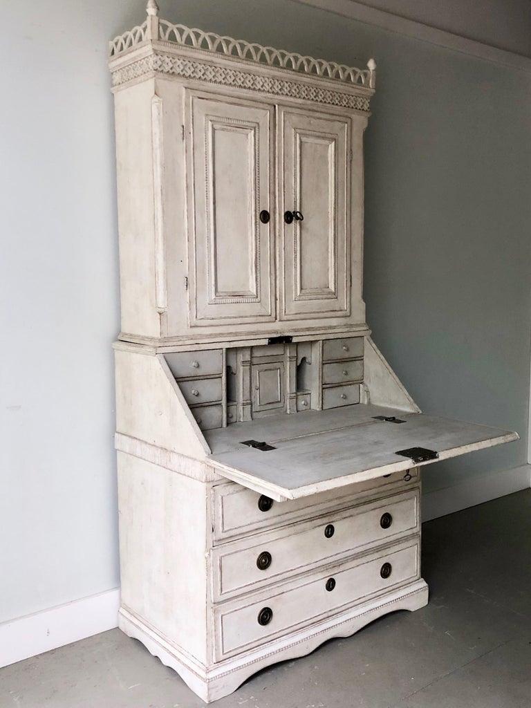 Hand-Crafted 18th Century Swedish Gustavian Period Secretaire For Sale