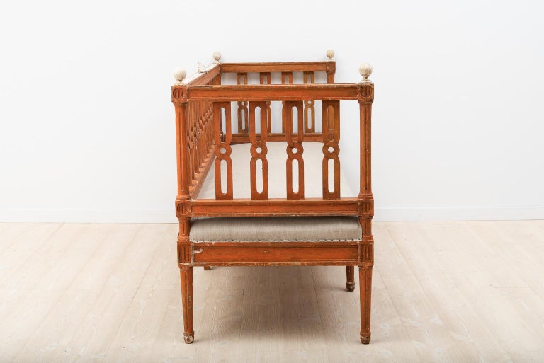 18th Century Swedish Gustavian Sofa For Sale 2
