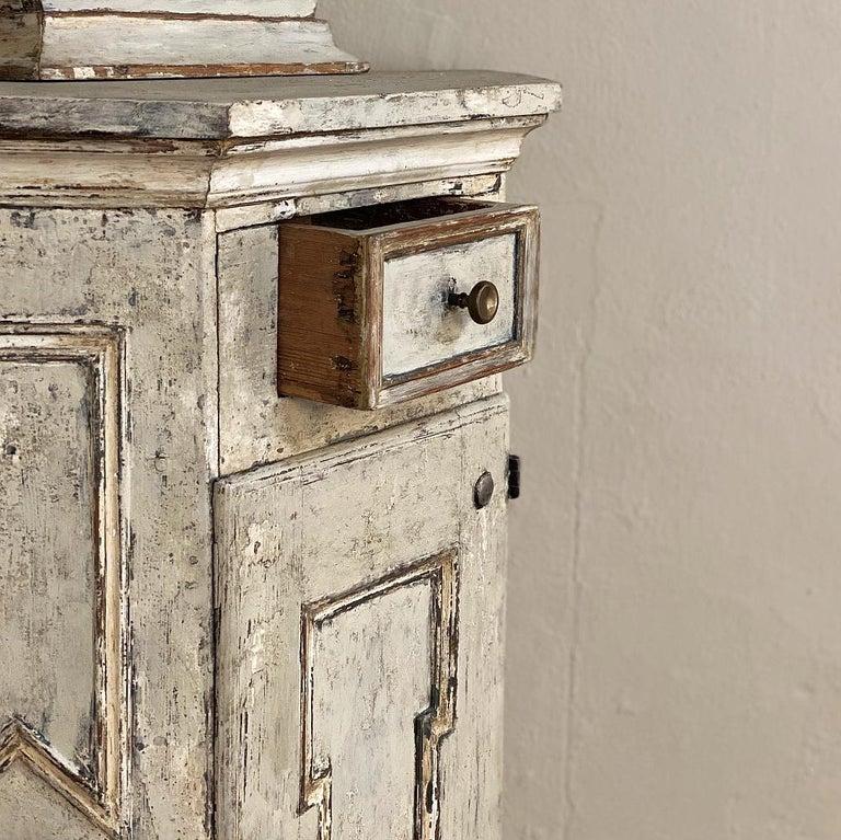 18th Century Swedish Mora Long Case Corner Clock For Sale 3